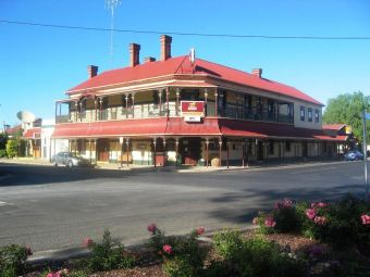Bordertown Hotel
